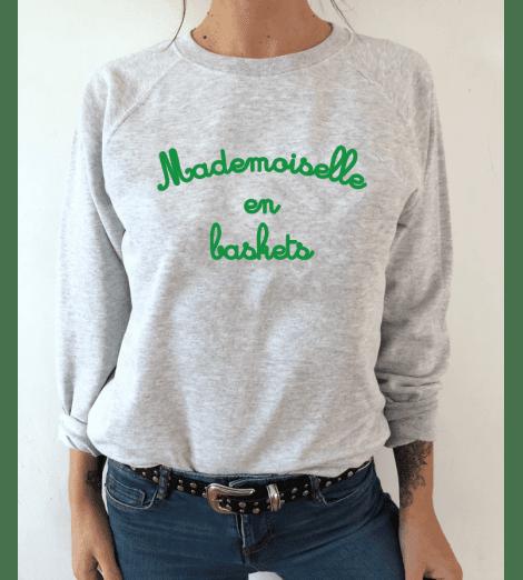 sweat femme MADEMOISELLE EN BASKETS vert